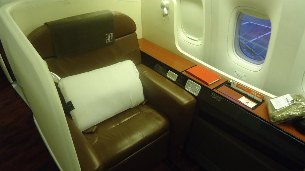 JAL будет летать в Сидней на Boeing 777 с кабиной первого класса