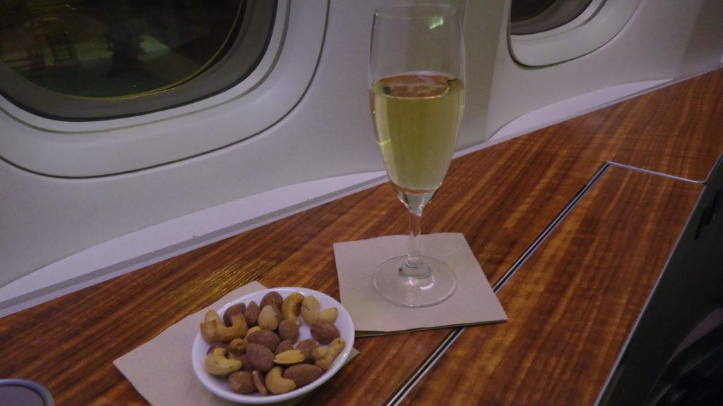 БЕГОМ: фантастические цены на первый класс Cathay Pacific из Португалии в Азию