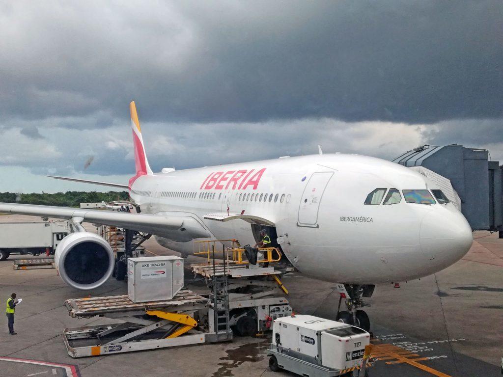 Обзор: Iberia, бизнес-класс, А332, Санто-Доминго – Мадрид