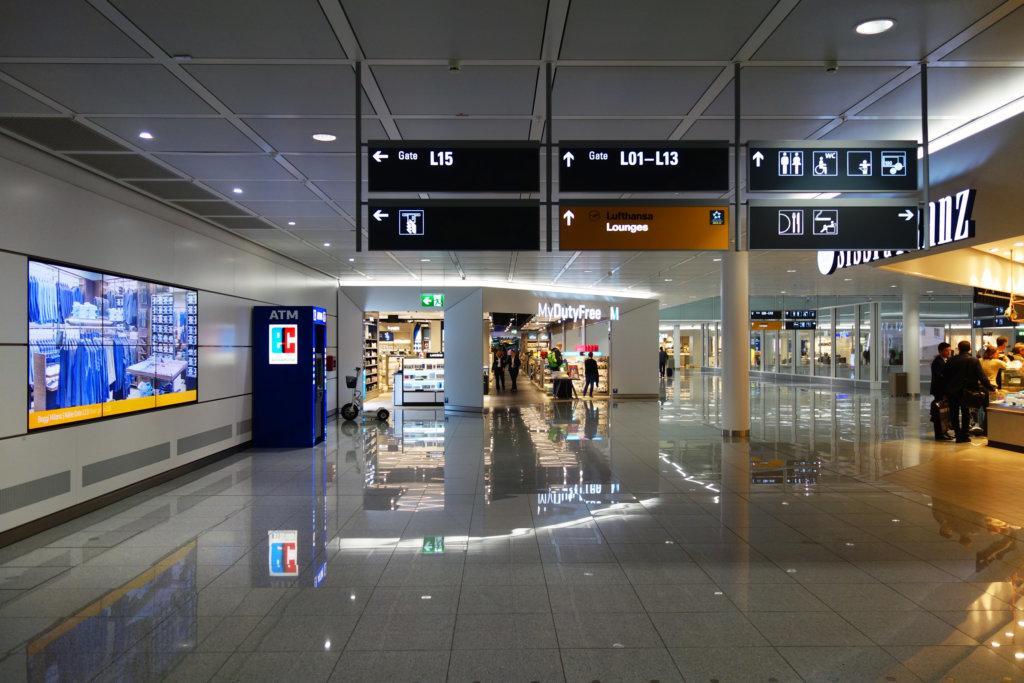 Больше международных рейсов в Минск следующим летом