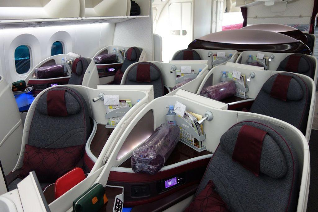 Бизнес-класс Qatar Airways (Boeing 787) в 5 фотографиях