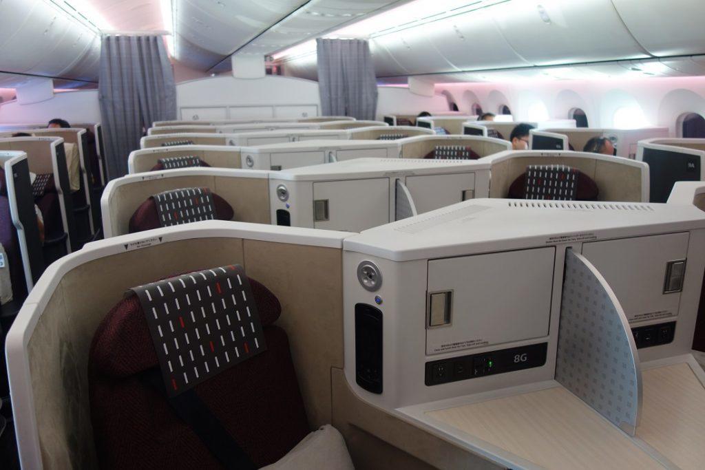 Бизнес-класс JAL (Boeing 787-9) в 5 фотографиях