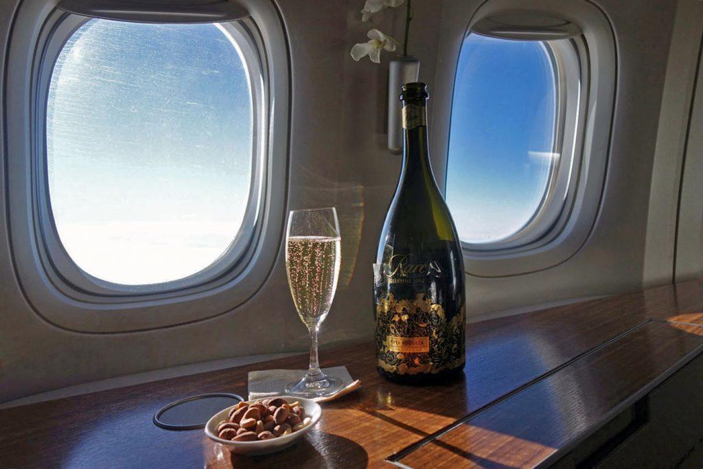 Бесплатный WiFi для пассажиров первого класса Cathay Pacific