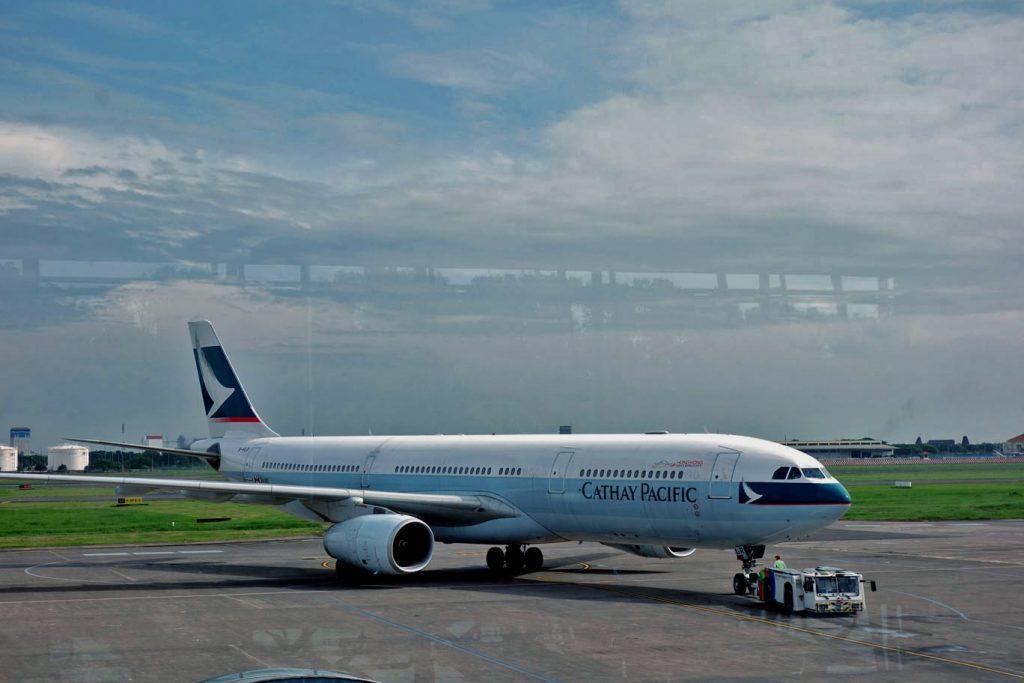 Мили Miles&More теперь можно тратить на полеты с Cathay Pacific (включая первый класс)