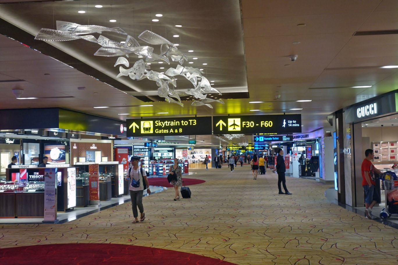 Обзор: Singapore Airlines SilverKris Lounge, T2, Сингапур
