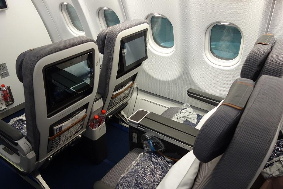 Пассажиры теперь обязаны носить маски на рейсах Lufthansa и Swiss