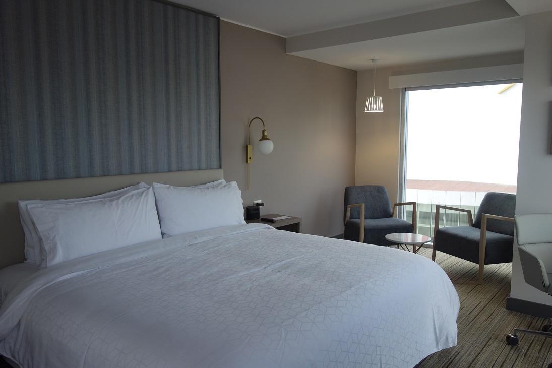 Некоторые отели измеряют гостям температуру