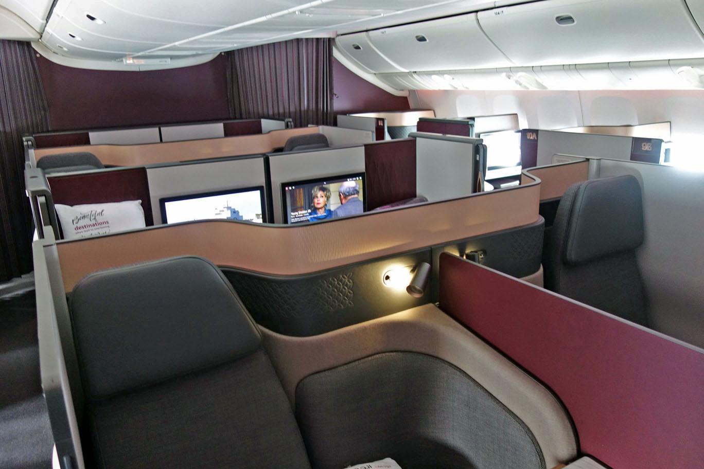 Обзор: Qatar Airways, бизнес-класс (777, Qsuite), Бангкок — Доха