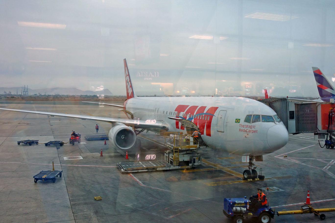 Маски теперь обязательны на рейсах LATAM