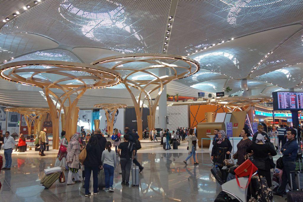 В аэропорту Стамбула открывается новая ВПП