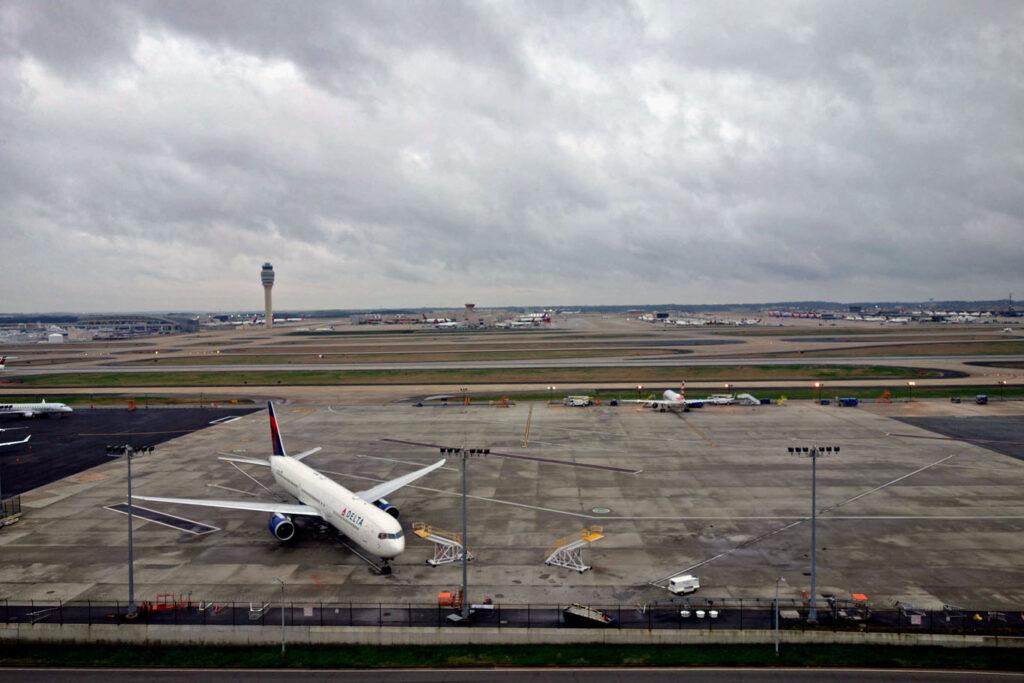 COVID-19: поблажки для статусников авиакомпаний